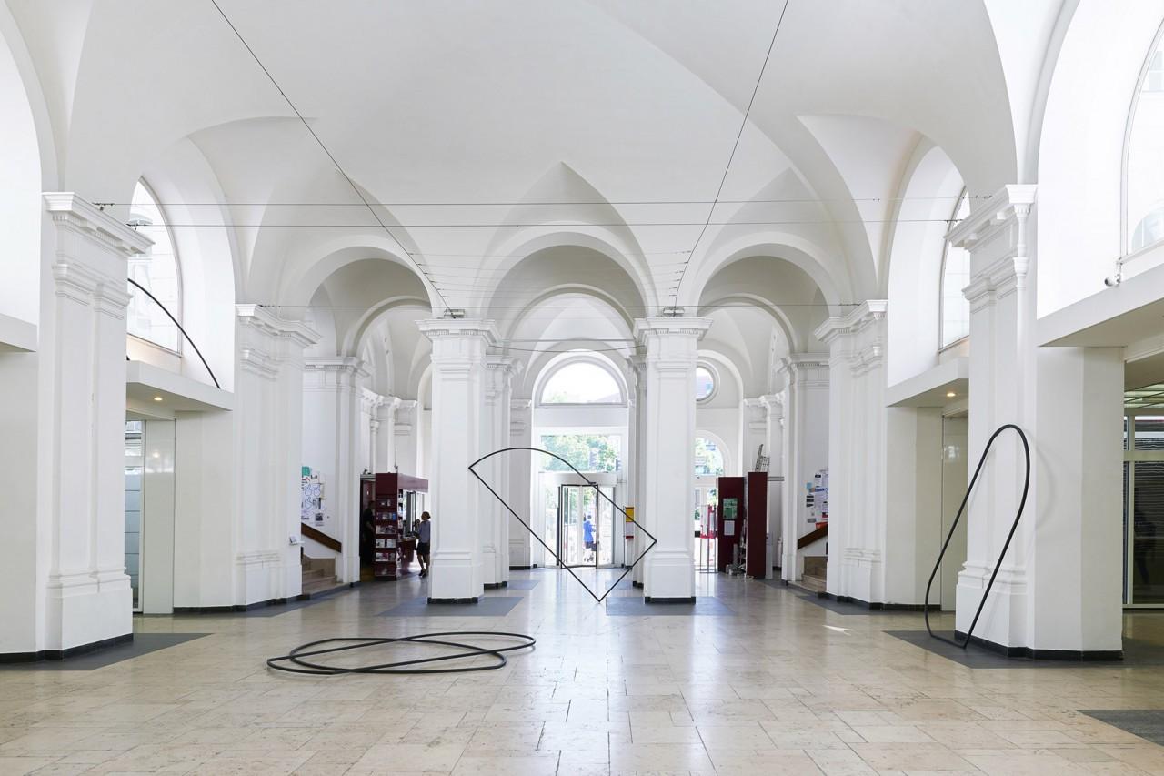 Interieurfotografie und Ausstellungsansichten aus Berlin Meisterschülerausstellung UdK Berlin