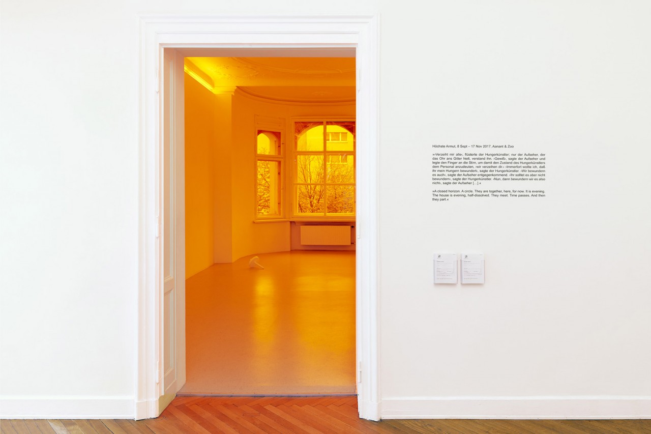 Interieurfotografie und Ausstellungsansichten aus Berlin Aanant & Zoo – Höchste Armut